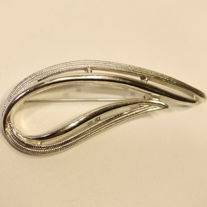 Vintage Sarah Coventry Silver Brooch Pin